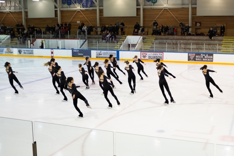 Team LMSSC Junior does a block element in their short program