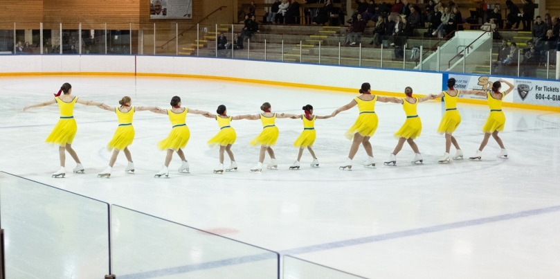 Washington Ice Emeralds Youth Team 2 doing an artistic line element